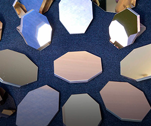 Interferometric and Positioning Mirrors